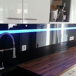 Küchenrückwände aus Glasmit Led Beleuchtung